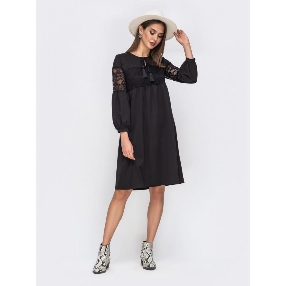 Красивое черное платье с ажурными вставками фото 1