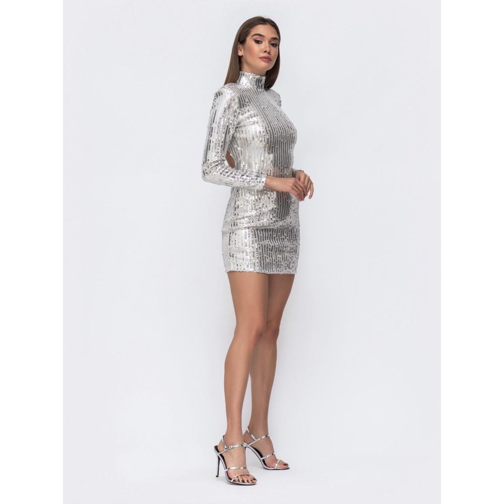 Блестящее серебряное платье-мини с открытой спиной фото 2