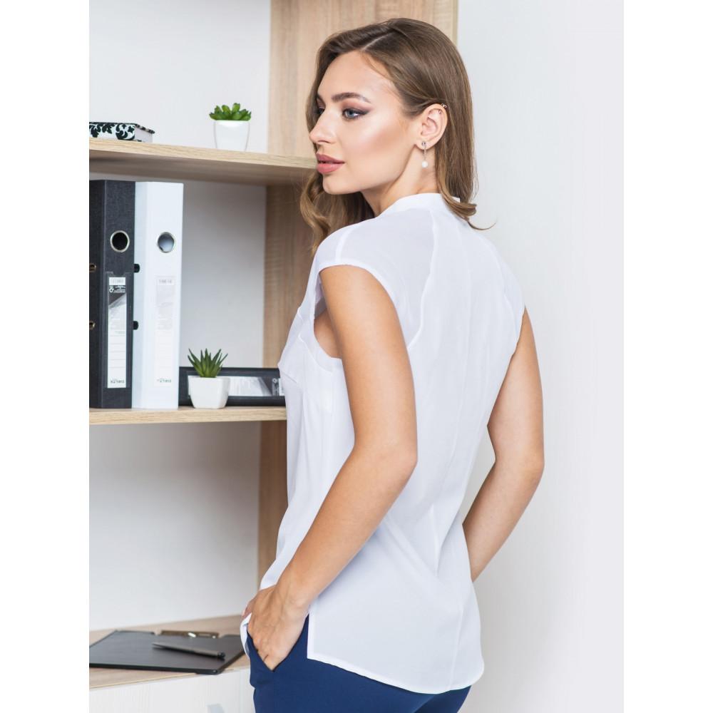 Женственная блузка с пуговицами фото 2