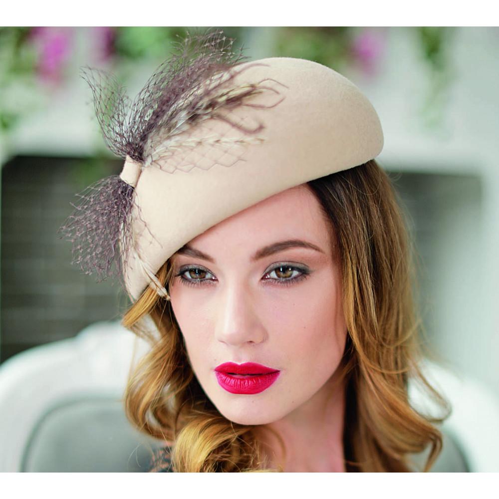 Асимметричная шляпа-таблетка 335-4 фото 1