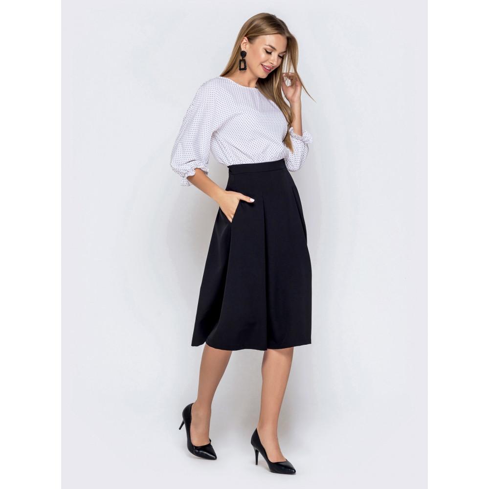 Комбинированное черно-белое платье с расклешенной юбкой фото 2