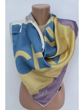 Шелковый платок с рисунком Chanel