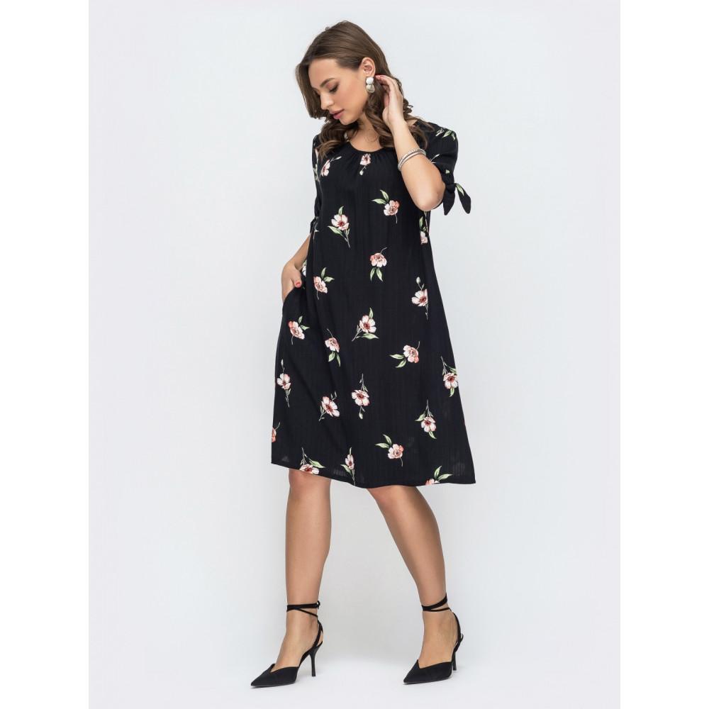Женственное черное платье А-силуэта в цветы фото 2