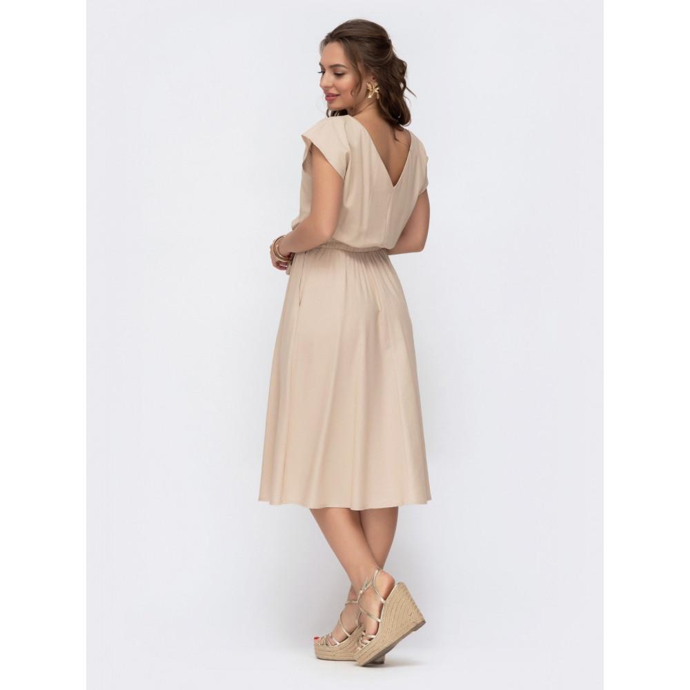 Женственное платье с треугольным вырезом на спинке фото 3