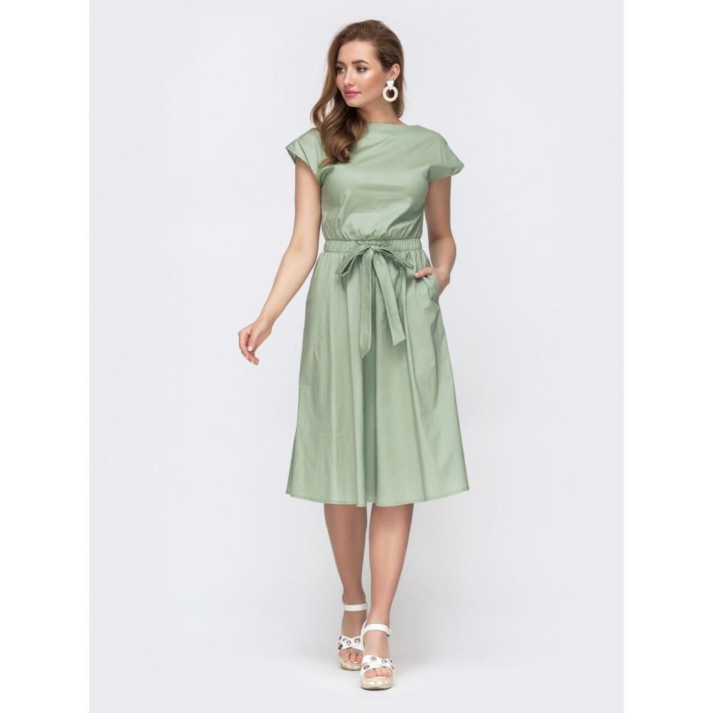 Женственное платье с вырезом на спинке фото 1