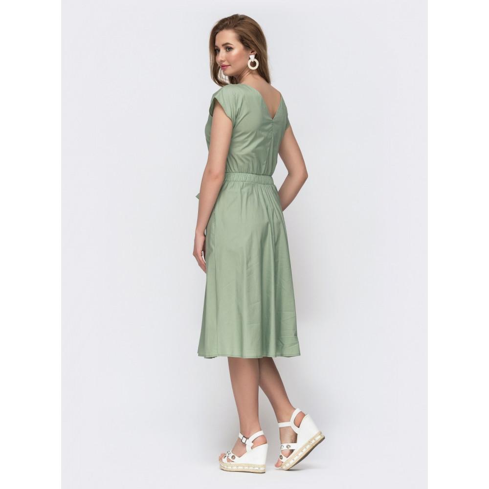Женственное платье с вырезом на спинке фото 2