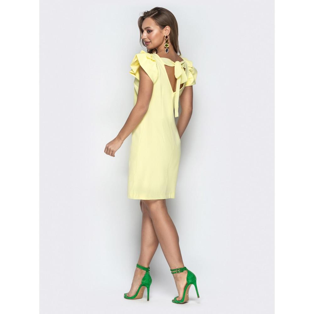 Желтое платье с вырезом на спинке Шарлотта фото 3