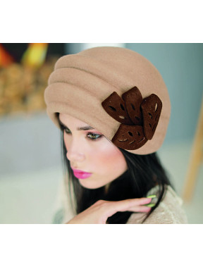 Елегантний фетровий об'ємний капелюх 249-1