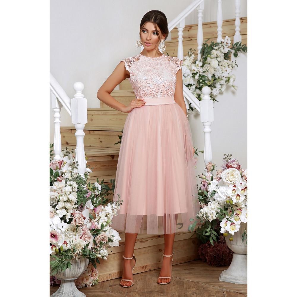 Нарядное платье с шикарным кружевом фото 1