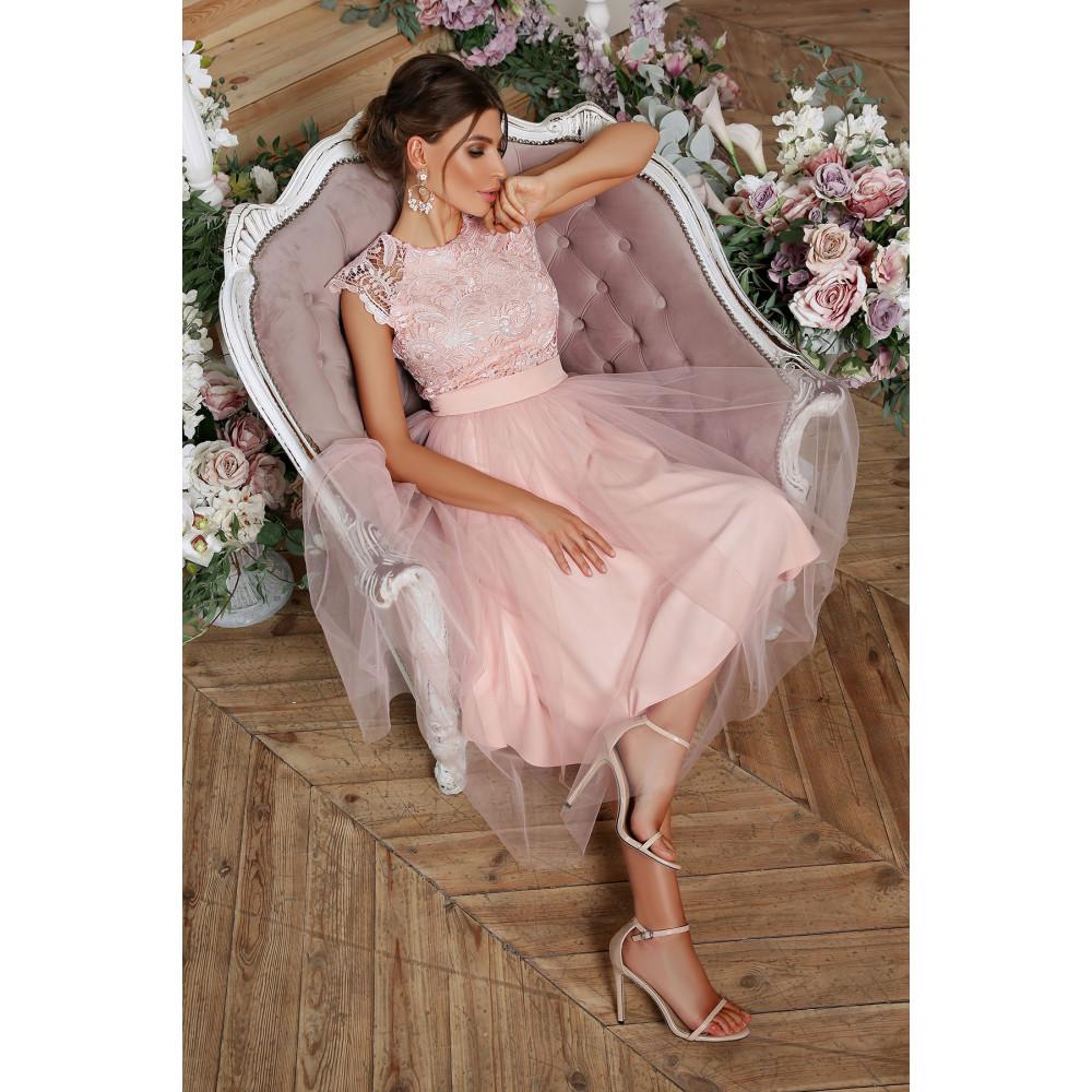 Нарядное платье с шикарным кружевом фото 5