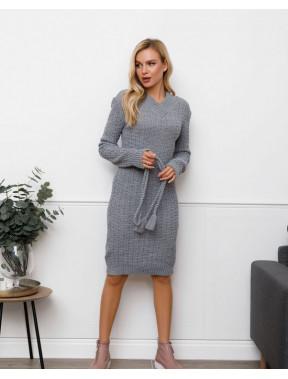 Серое вязаное платье с оригинальным узором