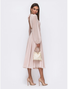 Ніжна сукня кольору айворі з відкритою спиною