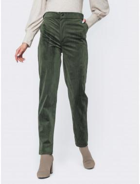 Зеленые брюки из вельвета
