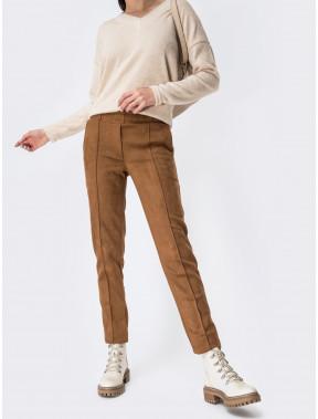 Коричневые брюки из замши со стрелками