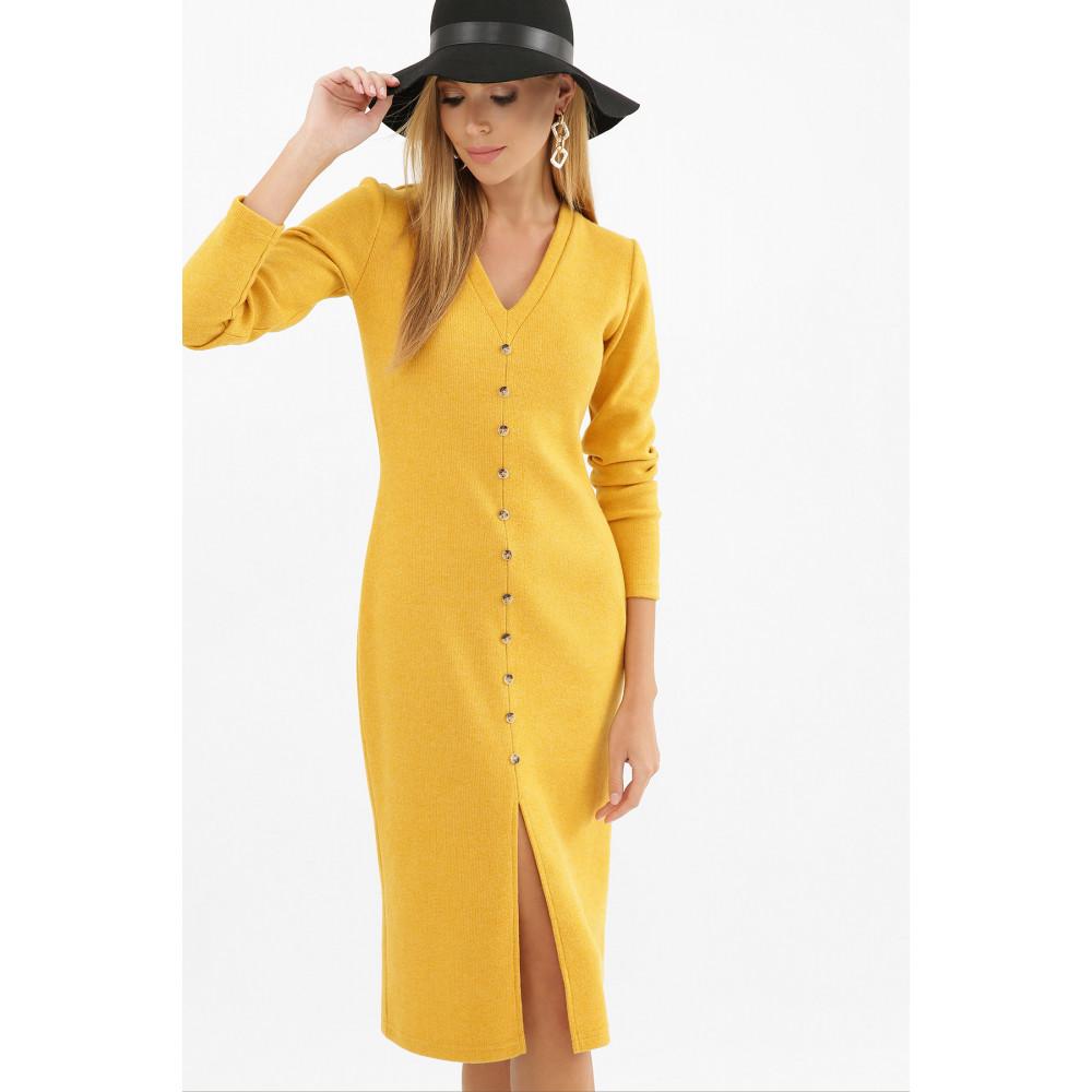 Горчичное платье с разрезом спереди Альвия фото 3