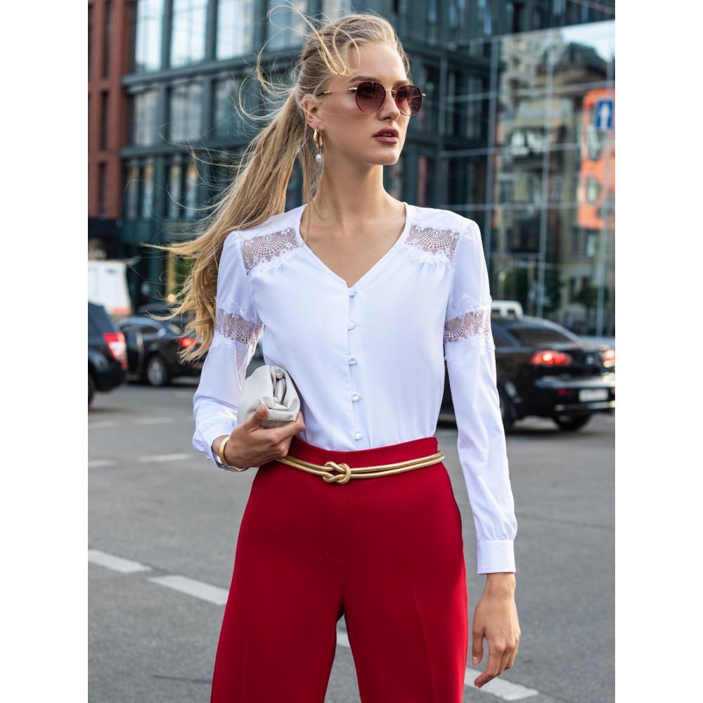 Блузка с вставками из кружева фото 1