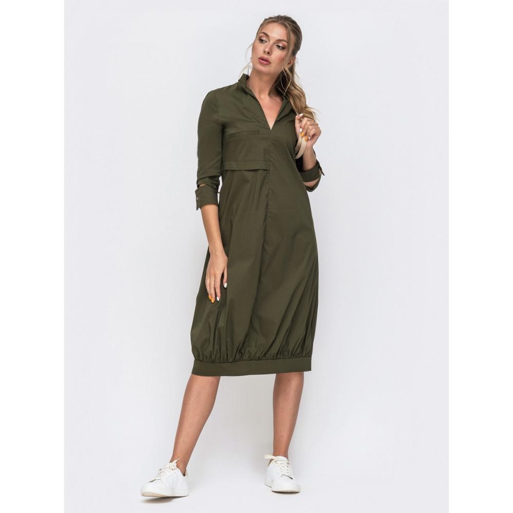 Зеленое платье с оригинальными манжетами фото 1