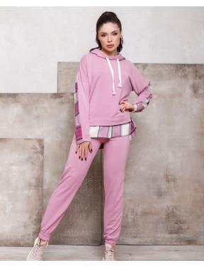 Розовый комбинированный спортивный костюм