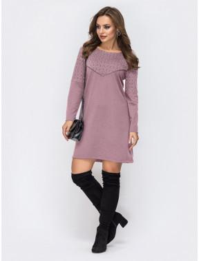 Розовое платье-трапеция