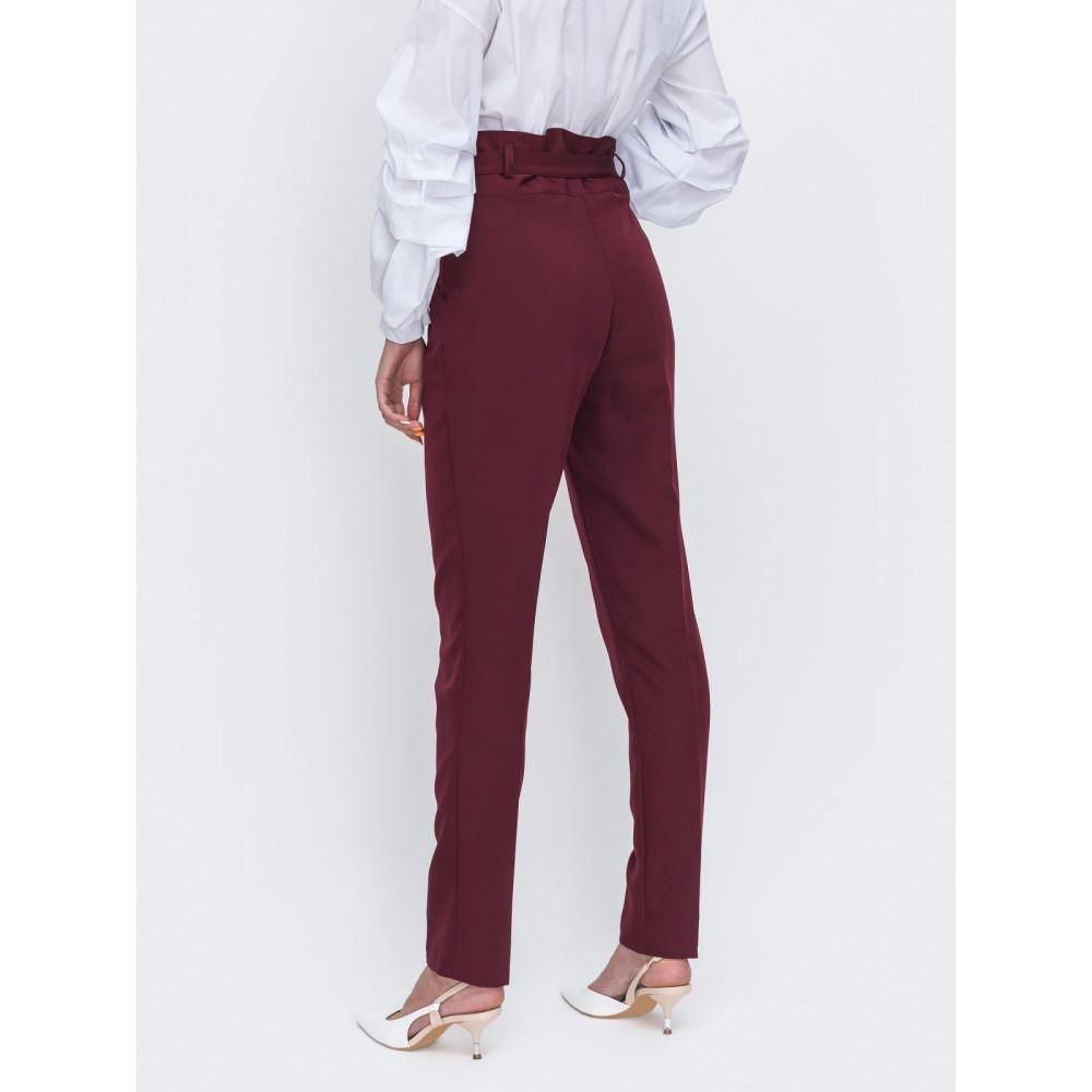 Бордовые классические брюки фото 2