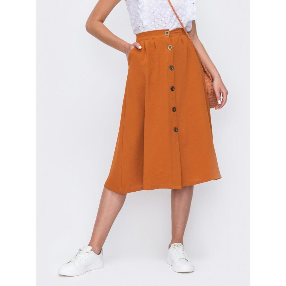 Базовая расклешенная юбка на пуговицах фото 1