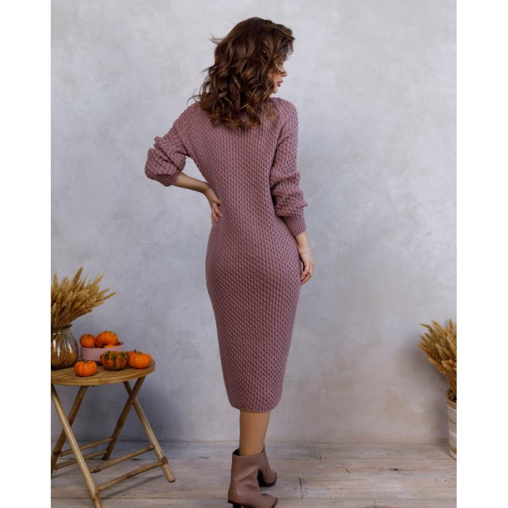 Вязаное розовое платье с нежным узором фото 3