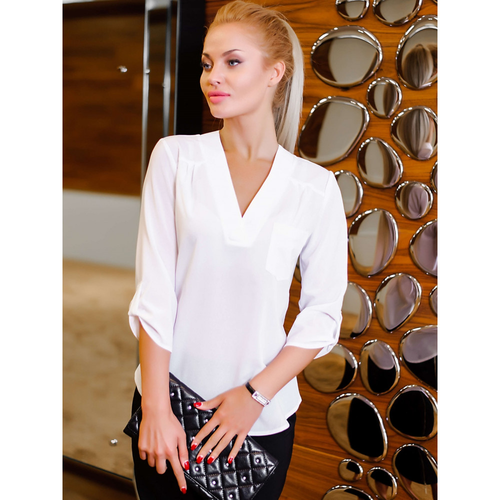 Легкая блузка с V-образной горловиной фото 1
