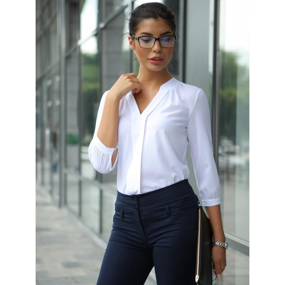 Блузка с V-образным вырезом фото 1
