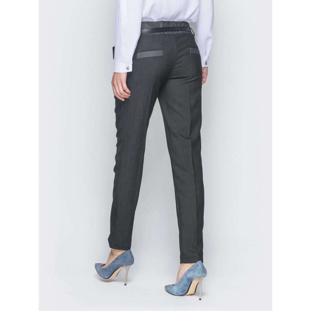 Женские брюки со стрелками и кокеткой контрастного цвета фото 3