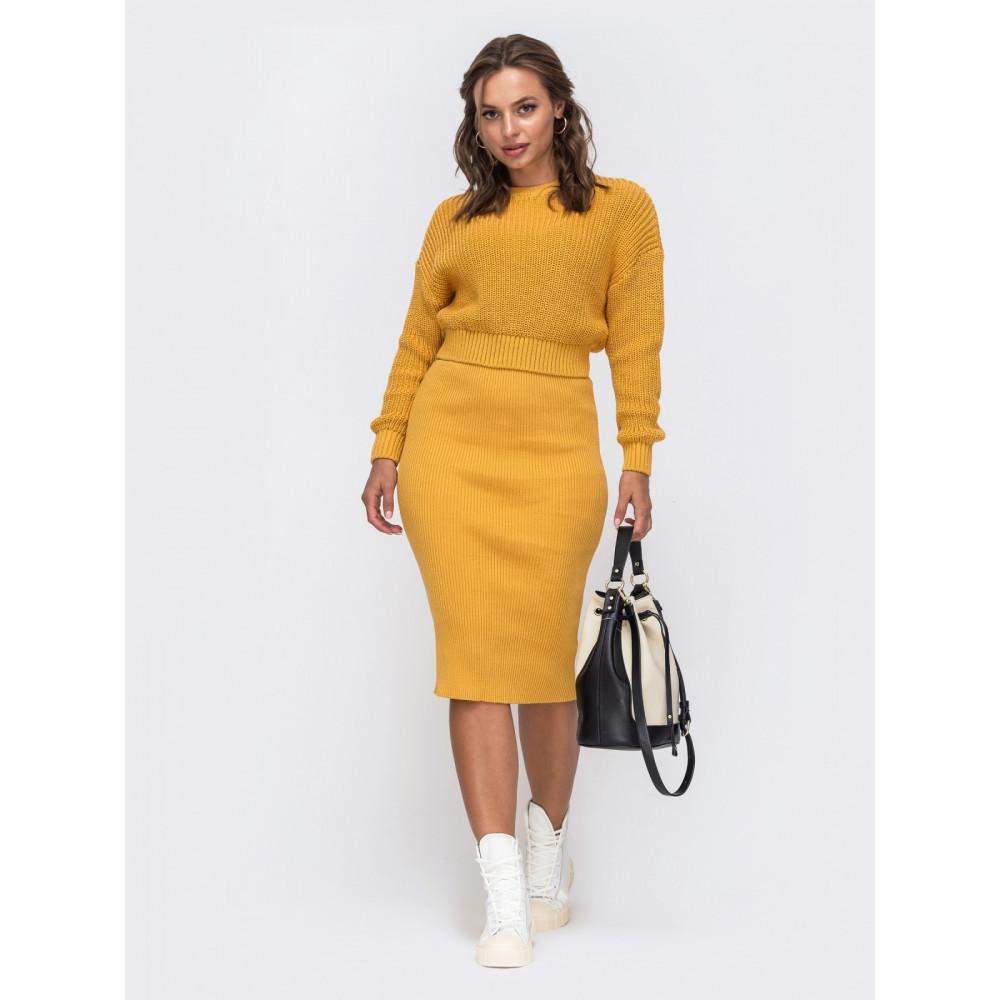 Горчичный комплект из акрила: свитер и юбка-миди фото 1