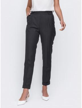 Черные брюки в классическом стиле
