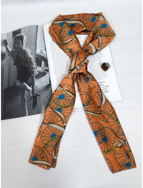 Красивый оранжевый шарф-галстук