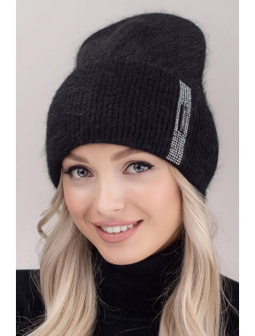 Тепла чорна шапка Гламур